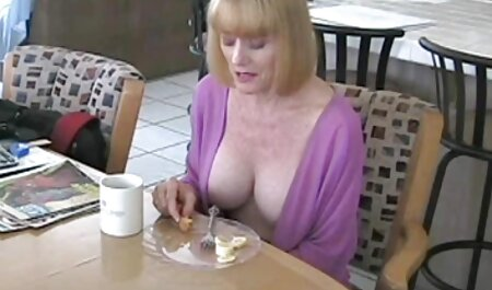 हलक में, आकर्षक महिला, सेक्सी फुल मूवी एचडी बड़े स्तन,